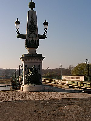 The Briare aquaduct drained for maintenance