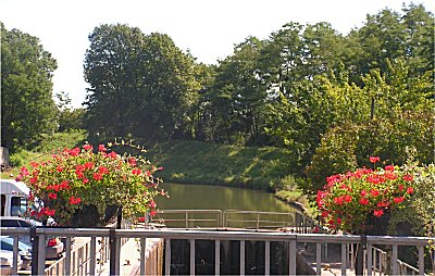 The lock at Genelard