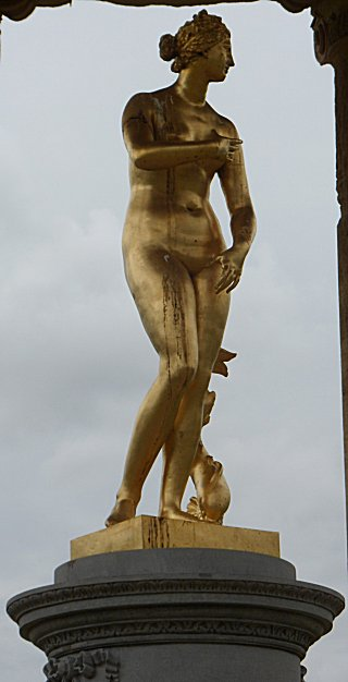 The Gold venus in the Rotunda at Stowe House Gardens