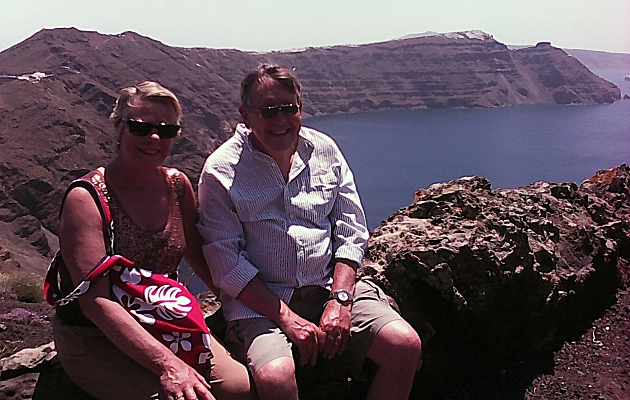 Sue and Roger on the last hill to Oia